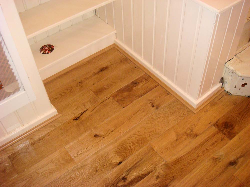 Laminate Flooring With Edging