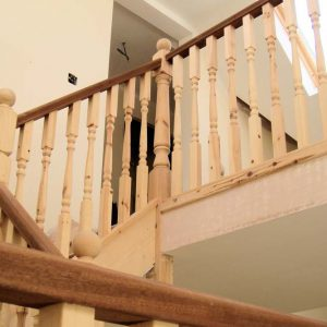 Square staircase banister